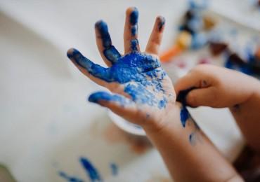 Empreinte de bébé à la peinture